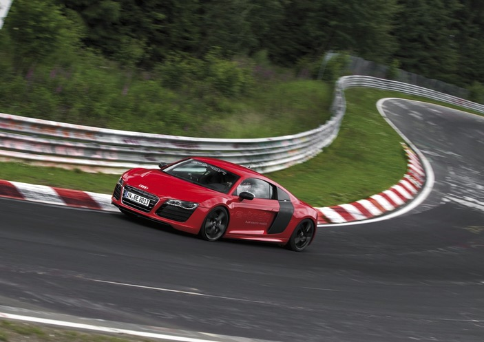 Audi R8 e-tron Sets N�rburgring World Record