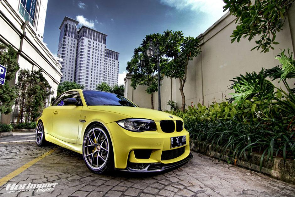 yellow 1M