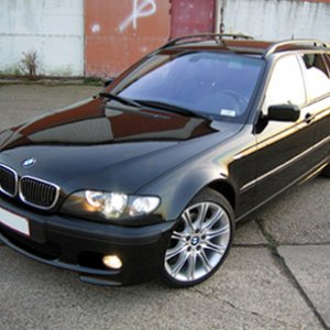 Corner view of 2004 BMW 325I Touring M-Kit